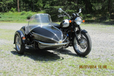 2009 Triumph Bonneville T100 with Watsonian sidecar for sale