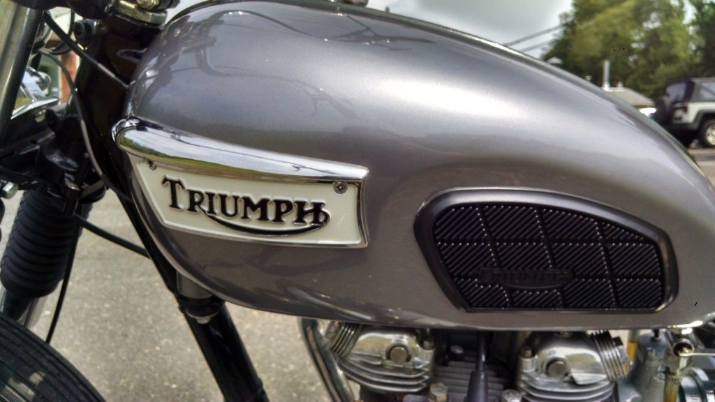 1967 Triumph TR6R bobber