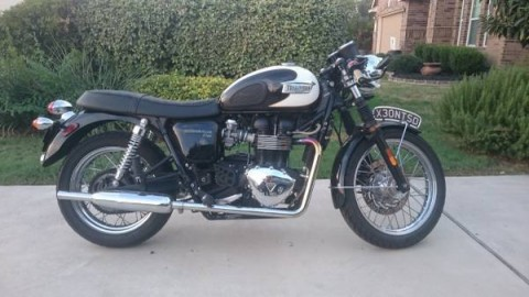 2010 Triumph Bonneville T-100 Tuxedo for sale
