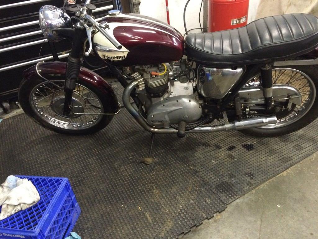 1965 Triumph Bonneville T120SR
