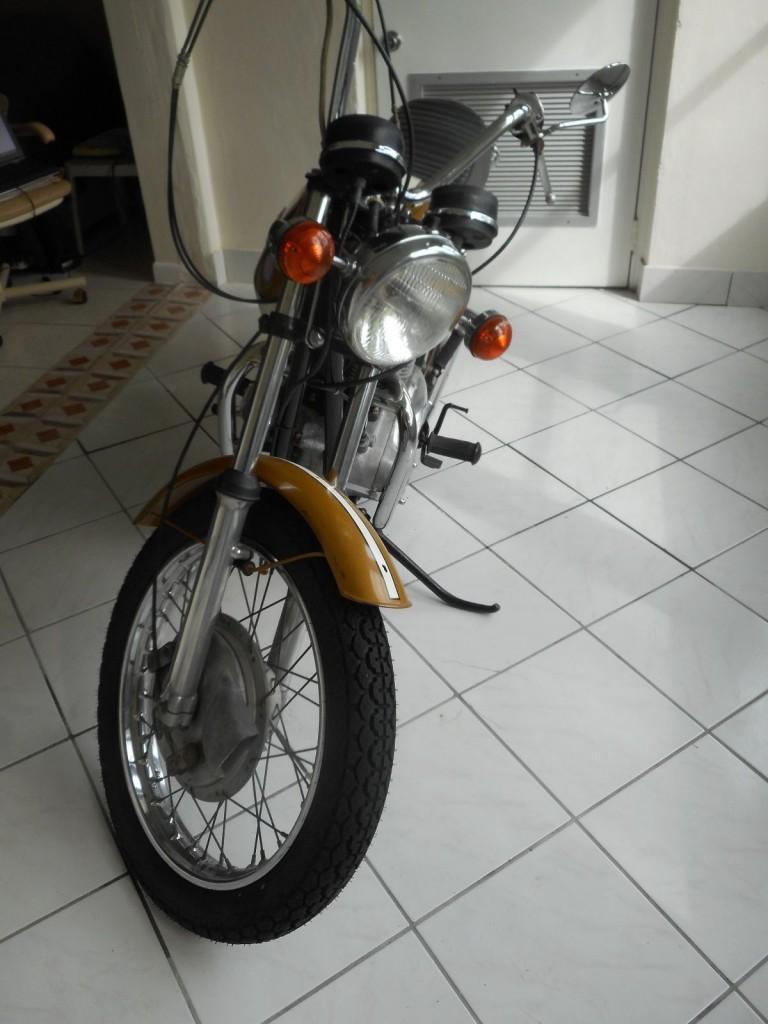 """1972 Triumph Bonneville """"Bread Box"""" V 5 speed"""
