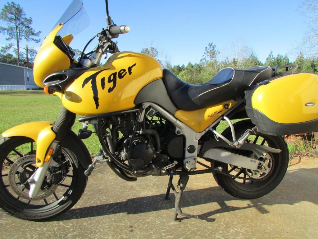 2005 Triumph Tiger 955i