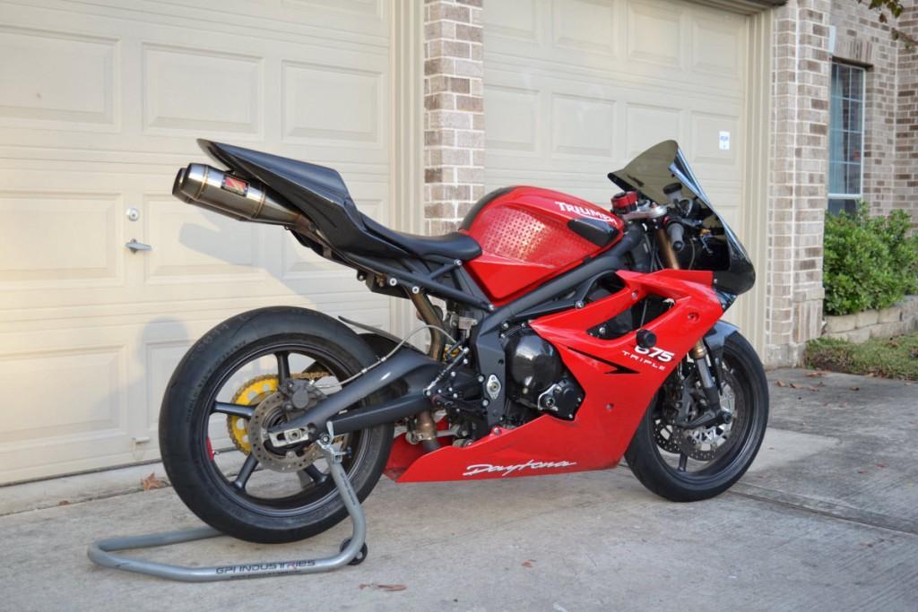 2011 triumph daytona 675 track or race bike for sale. Black Bedroom Furniture Sets. Home Design Ideas