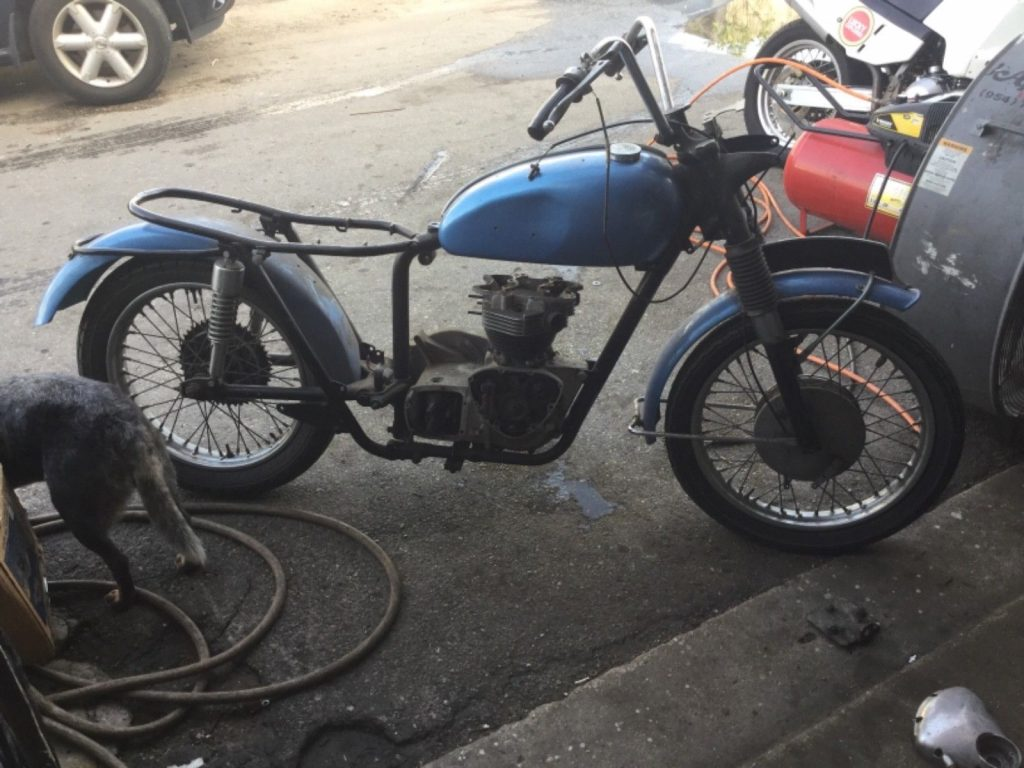 Super Rare 1964 Triumph Tiger TR6SC Matching numbers barn find
