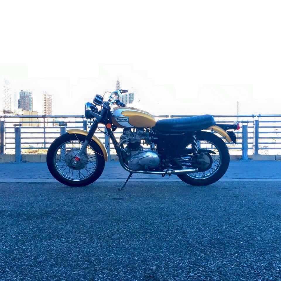 Vintage 1972 Triumph Bonneville T120V