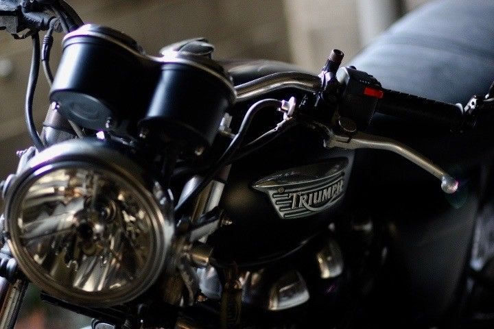 2006 Triumph Thruxton 900 in excellent condition