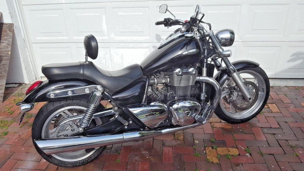 2010 Triumph Thunderbird – well maintained
