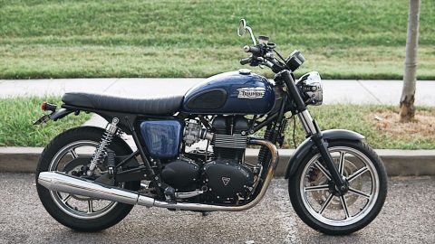 2013 Triumph Bonneville – very clean for sale