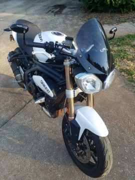 2013 Triumph Speed Triple in GREAT CONDITION for sale