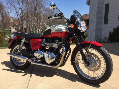 NICE 2012 Triumph Bonneville for sale