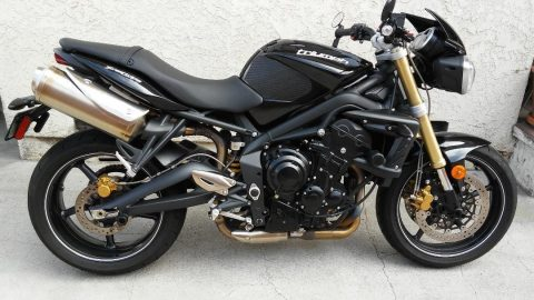 2012 Triumph Street Triple – Excellent condition for sale