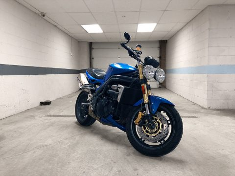 BEAUTIFUL 2005 Triumph Speed Triple for sale