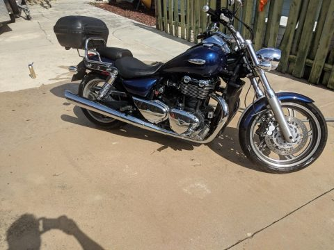 GORGEOUS 2010 Triumph Thunderbird for sale