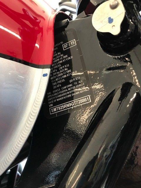 2016 Triumph Scrambler 900 red/silver