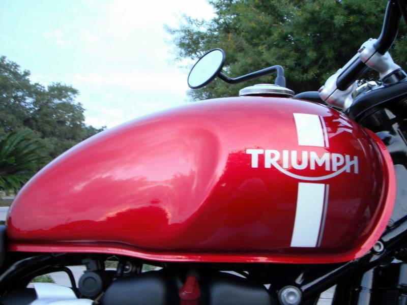 2018 Triumph Bonneville Street Twin Cranberry Red